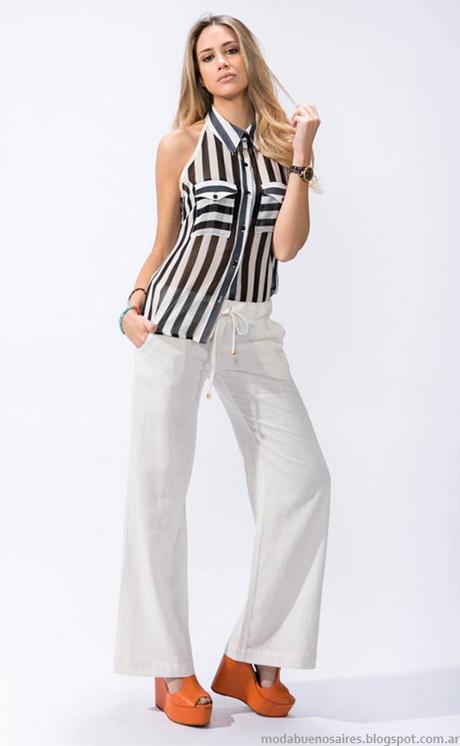 La compañía alemana de moda desembarcó en el mercado español en marzo de , cuando anunció un ambicioso plan de expansión mediante el que preveía superar los veinte millones de facturación en el país en