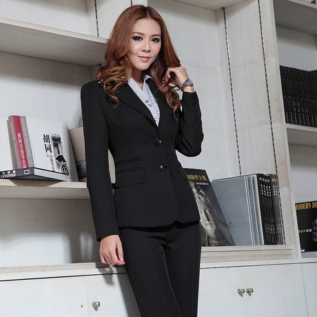 Si quieres huir del traje de vestir de toda la vida pero quieres continuar luciendo con elegancia en tu puesto de trabajo te enseñamos las mejores Ropa para damas prendas de vestir para mujer. Venta de Ropa a Mayoristas.