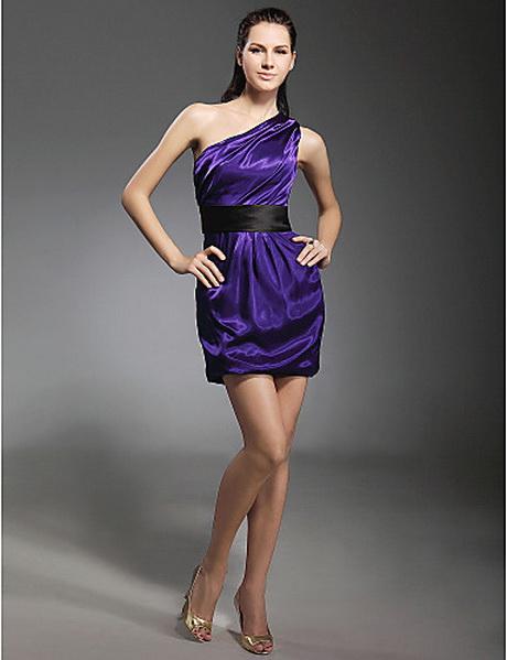 Acá te mostraremos alguno bonitos modelos de vestidos de noche cortos para que tu tengas muchas opciones de vestir según tus gustos y tu estilo. Y como sabemos que no tendrás una sola fiesta, tendrás muchas fiestas y también varias oportunidades para lucir vestidos .