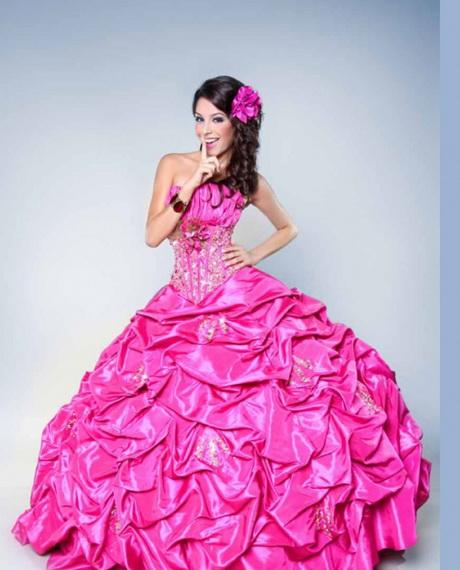 Elegantes Vestido de 15 años 2011/2012 con corset plisado al frente y