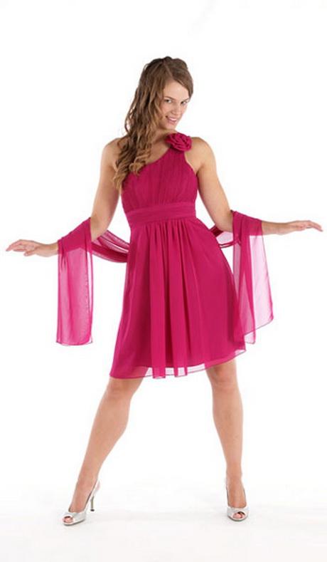 Chaparrita madura en vestido corto 2