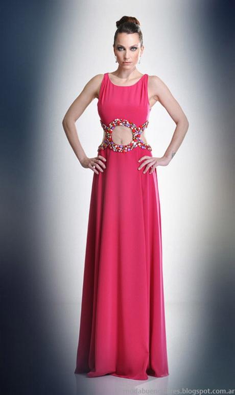 Lo más indicado y especial de la moda para esta temporada son los vestidos largos, que cuentan con un estilo bien cómodo y confortable. Son hermoso vestidos largos de noche que lo puedes utilizar exclusivamente para la noche, pero también para el día, todo .