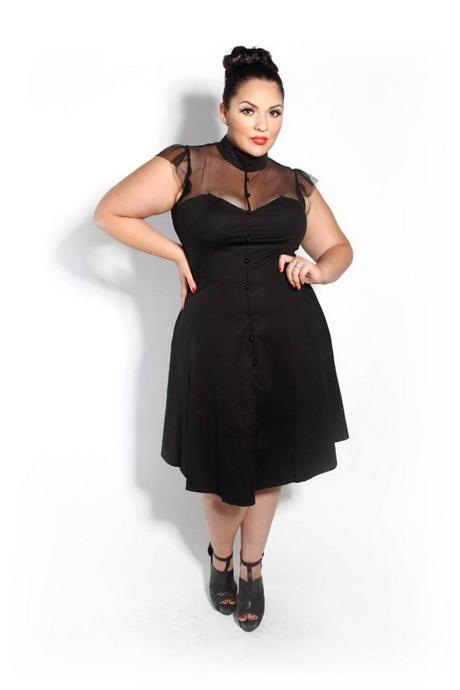 Este es otro de vestidos de cóctel de los más populares en este año, y es que la sencillez de su diseño se ha convertido en lo más buscado en la red. En una sociedad tan cambiante nunca viene mal tener a la mano una opción que luzca con el paso de los años.