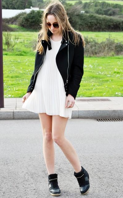 Outfit con vestido blanco